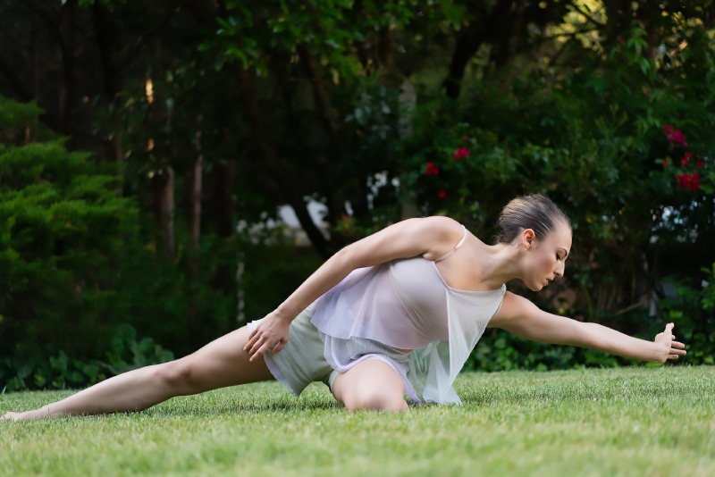 Amanda Selwyn Dance Theatre, original and dynamic dance theatre. NYC-based contemporary dance company | 20th Anniversary Performance Season. GIVE TO DANCE